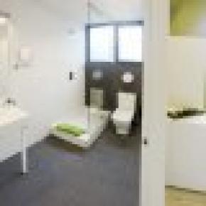 Room018
