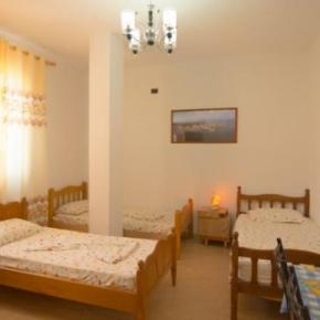 Hostels e Albergues - Almiri Guest House