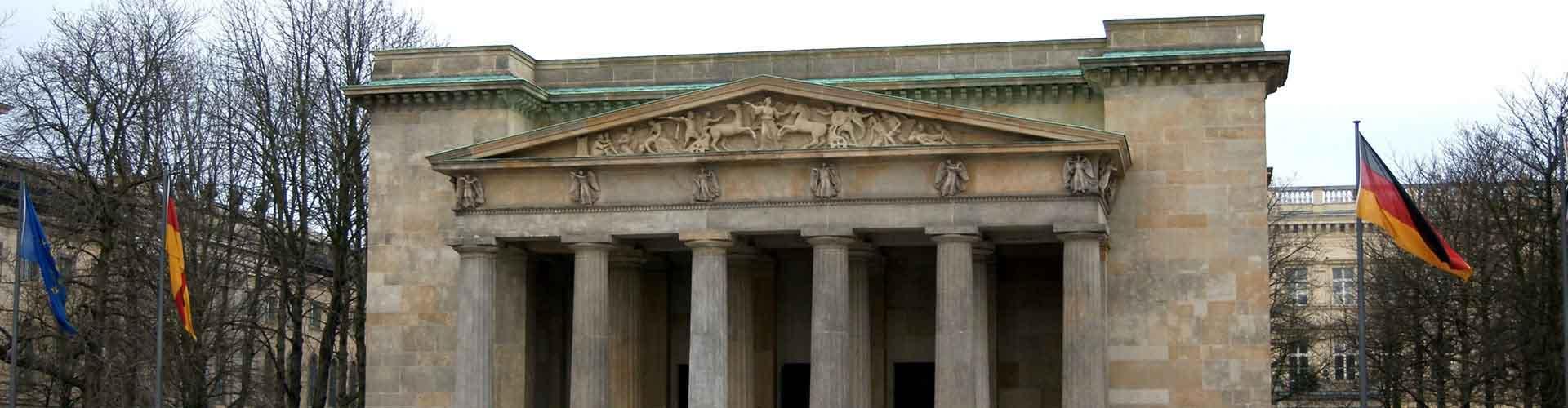 Berlim – Hostels próximos a Neue Wache e Zeughaus. Mapas para Berlim, Fotos e Avaliações para cada Hostel em Berlim.
