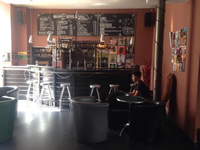 Boas opções de cervejas belgas / baratar em nosso bar no centro da cidade!!!