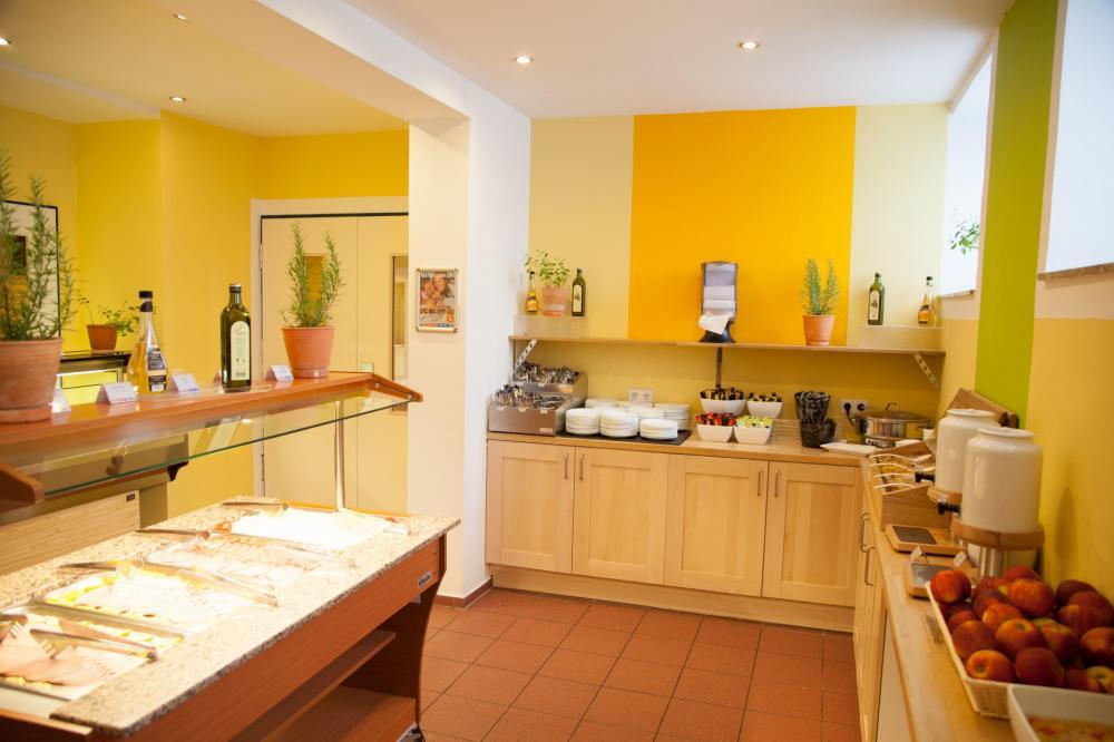 Buffet do Café-da-manhã no A&O Wien Stadthalle Hostel