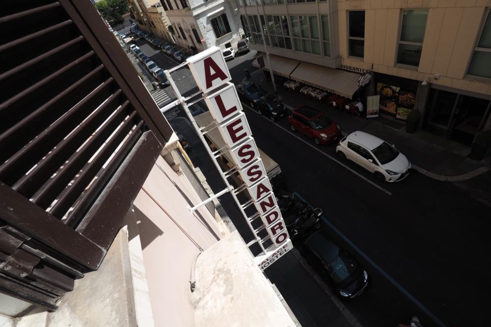 Alessandro Palace & Bar de uma janela