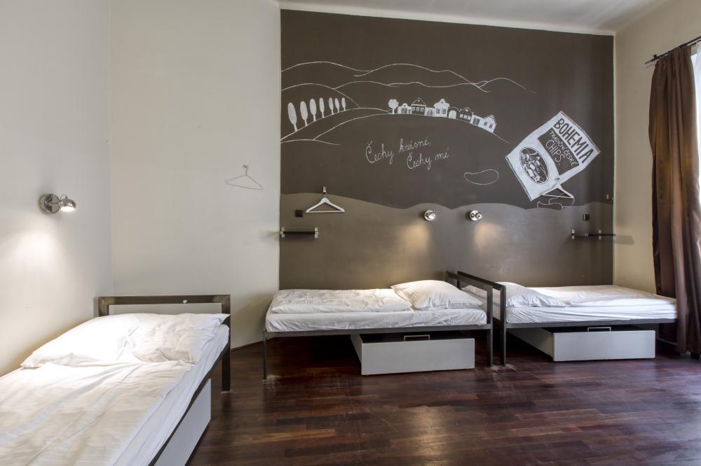 Dormitório feminino de 5 camas