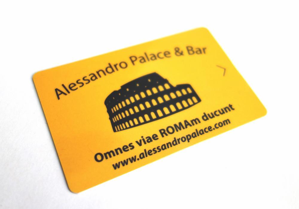 Acesso com cartão-chave (depósito de 2 € - reembolsado no check-out, retorno do cartão)