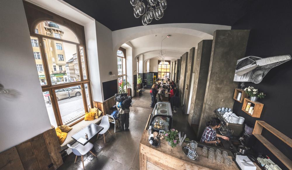 Recepção, Café e mesa comunitária