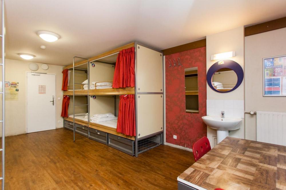 Dormitório camas pod
