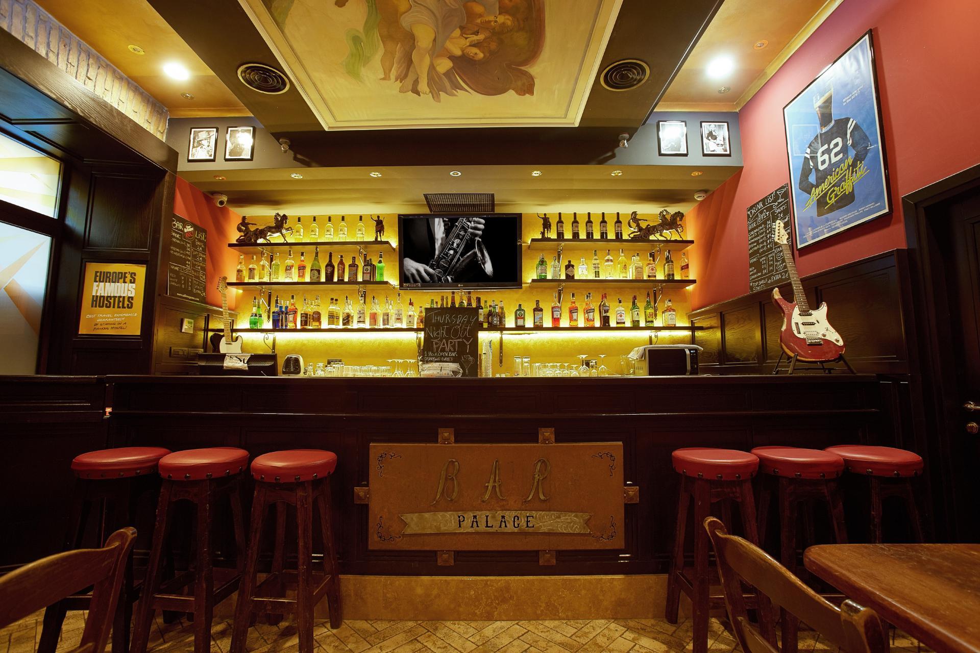 Hostel Alessandro Palace  & Bar