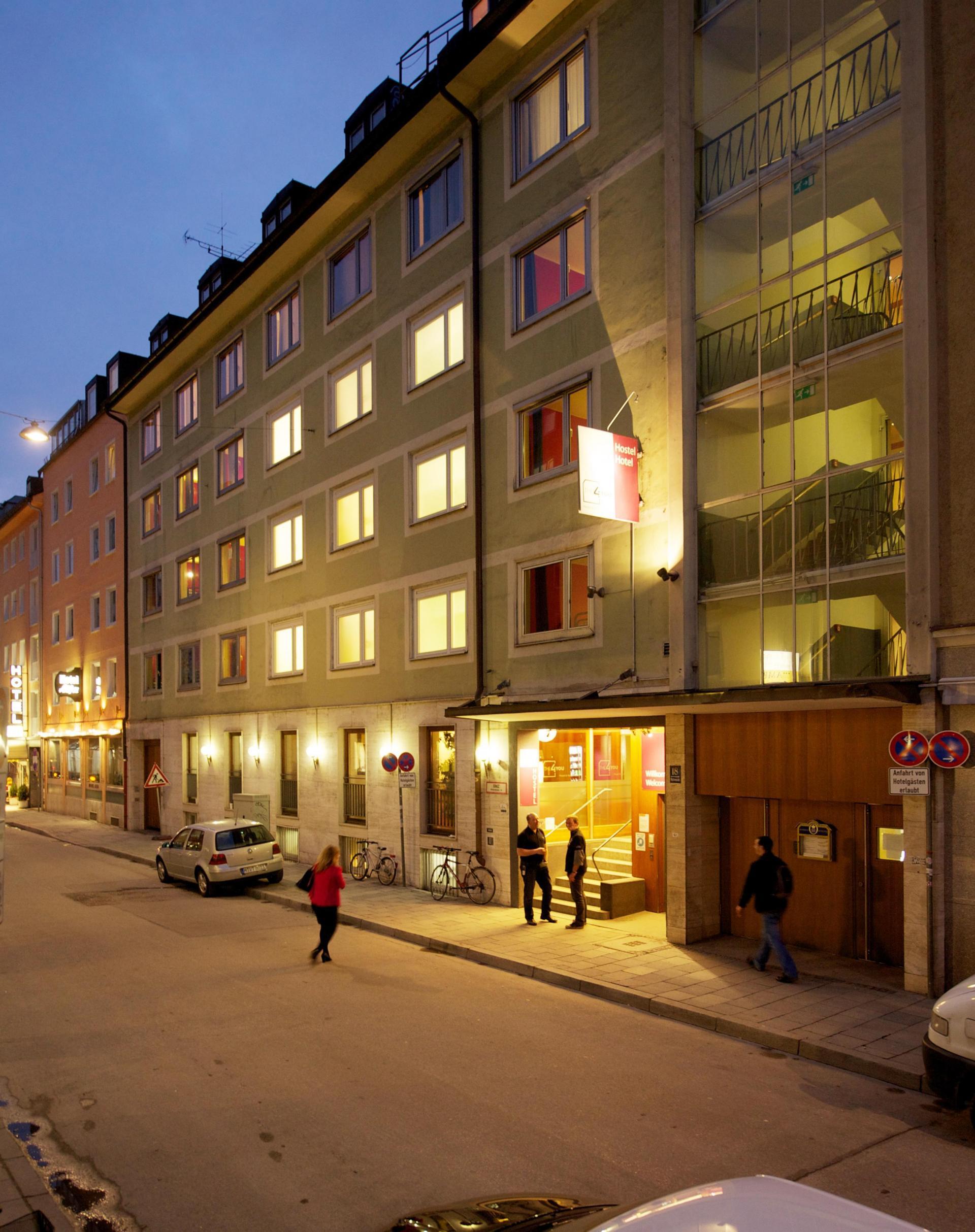 Hostel THE 4YOU  & Hotel Munich