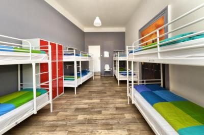 Hostels e Albergues - Hostel One Home
