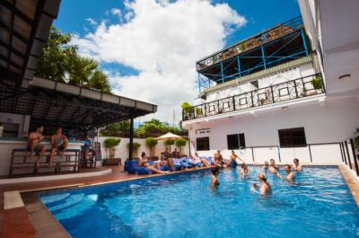 Hostels e Albergues - Mad Monkey Hostel Siem Reap
